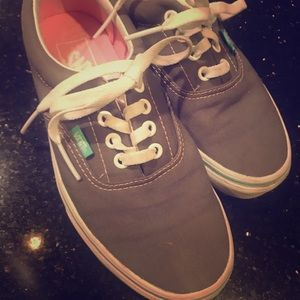 NWOT Vans grey with teal and pink sz 6